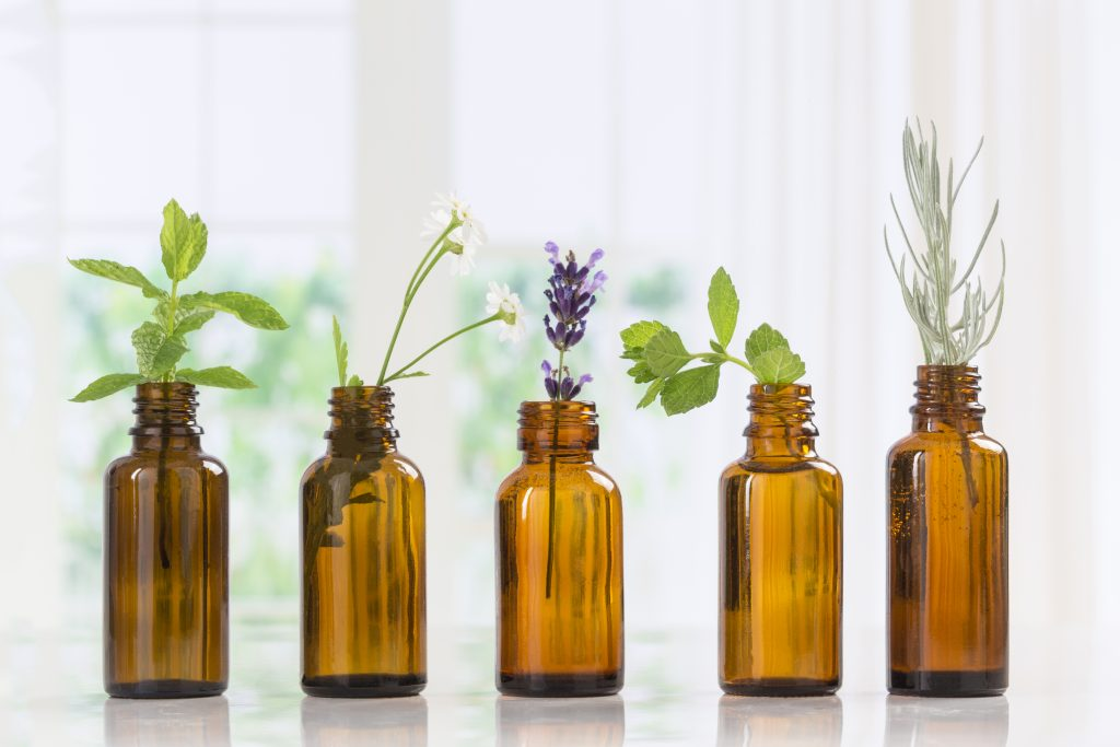 The Newbie's Guide To Essential Oils And The 10 Must-Have
